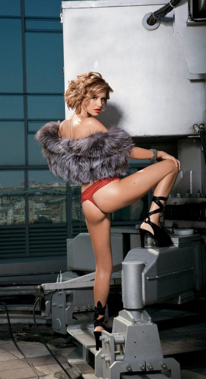 eroticheskie-foto-borodinoy