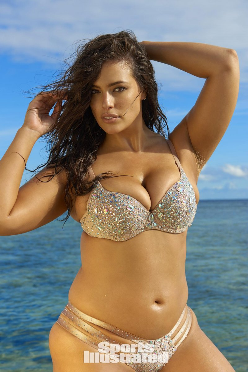 Эшли Грэм (Ashley Graham) в фотосессии для Sports Illustrated Swimsuit (2017)