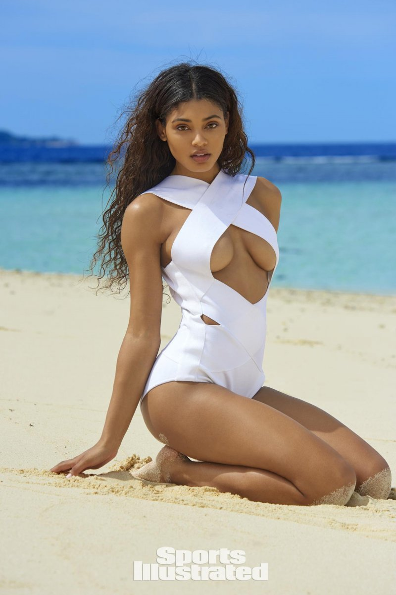 Даниэль Херрингтон (Danielle Herrington) в фотосессии для Sports Illustrated Swimsuit (2017)