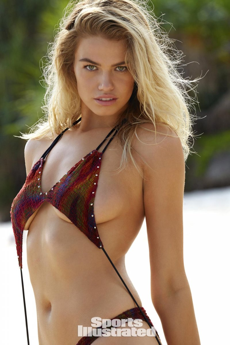 Хейли Клосон (Hailey Clauson) в фотосессии для Sports Illustrated Swimsuit (2017)