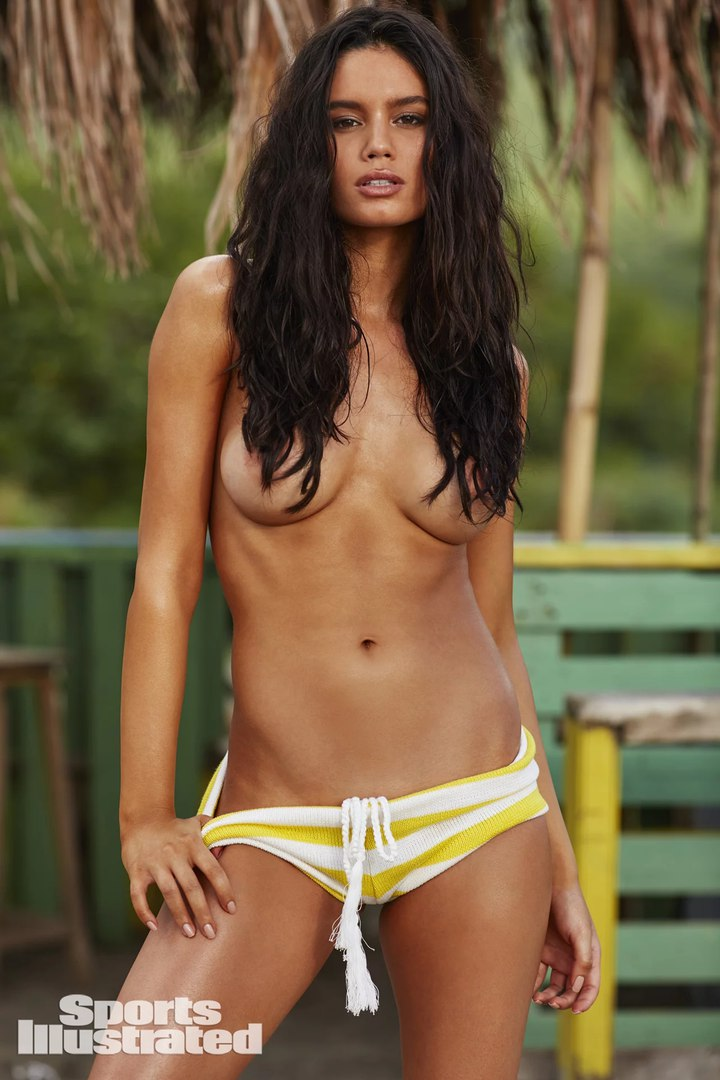 Анна де Паула (Anne De Paula) в фотосессии для Sports Illustrated Swimsuit (2018)
